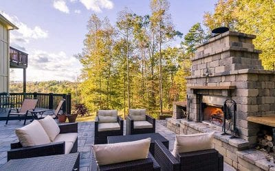 Why Outdoor Fireplaces Are the Most Popular Backyard Home Design Feature